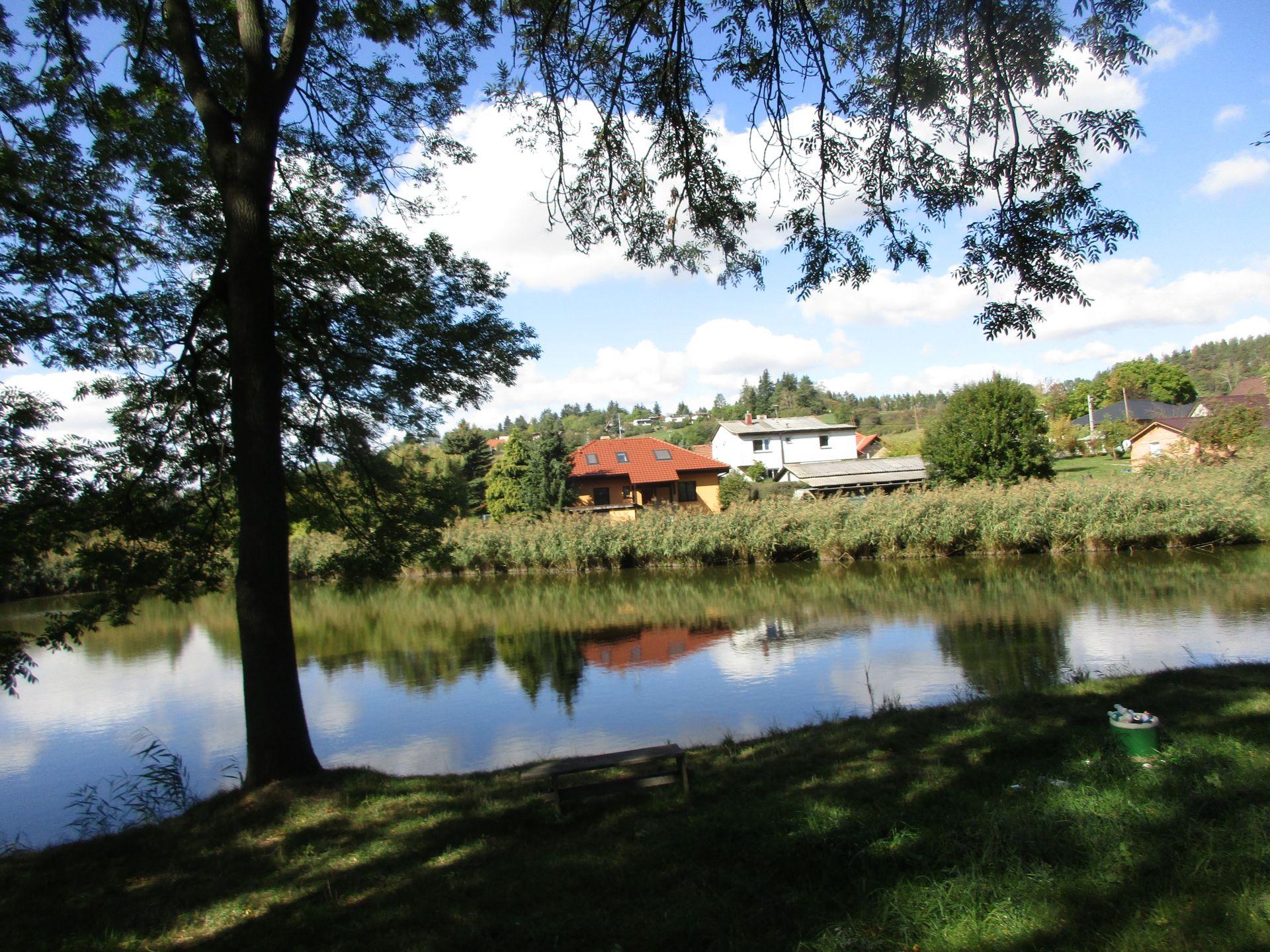 Chata se zahradou v Mnichovicích u Říčan